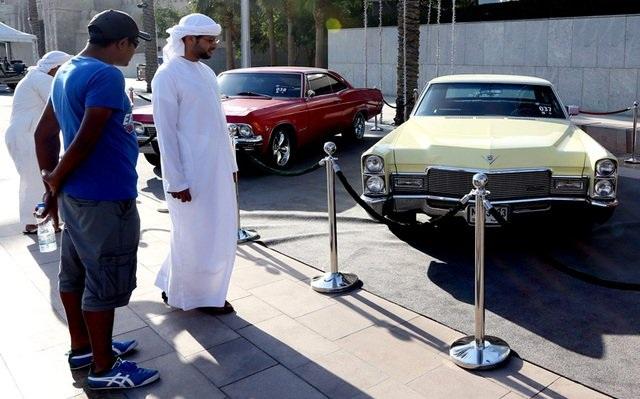 بازارداغ خودروهایکلاسیک درامارات عکس